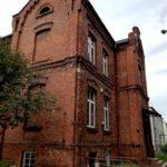 Budynek pełniący w czasach istnienia komory celnej funkcje zarządcze i administracyjne - w chwili obecnej najlepiej zachowany.